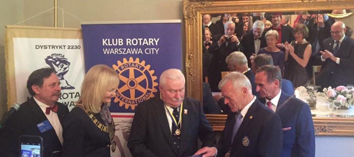 Prezydent Lech Wałęsa honorowym członkiem Rotary