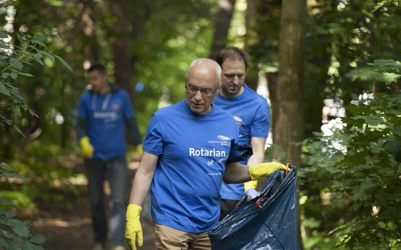 Rotarianie przy pracy