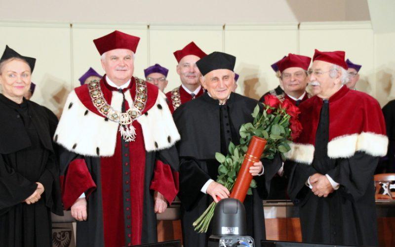 Tytuł dr honoris causa dla prof. Wojciecha Witkiewicza